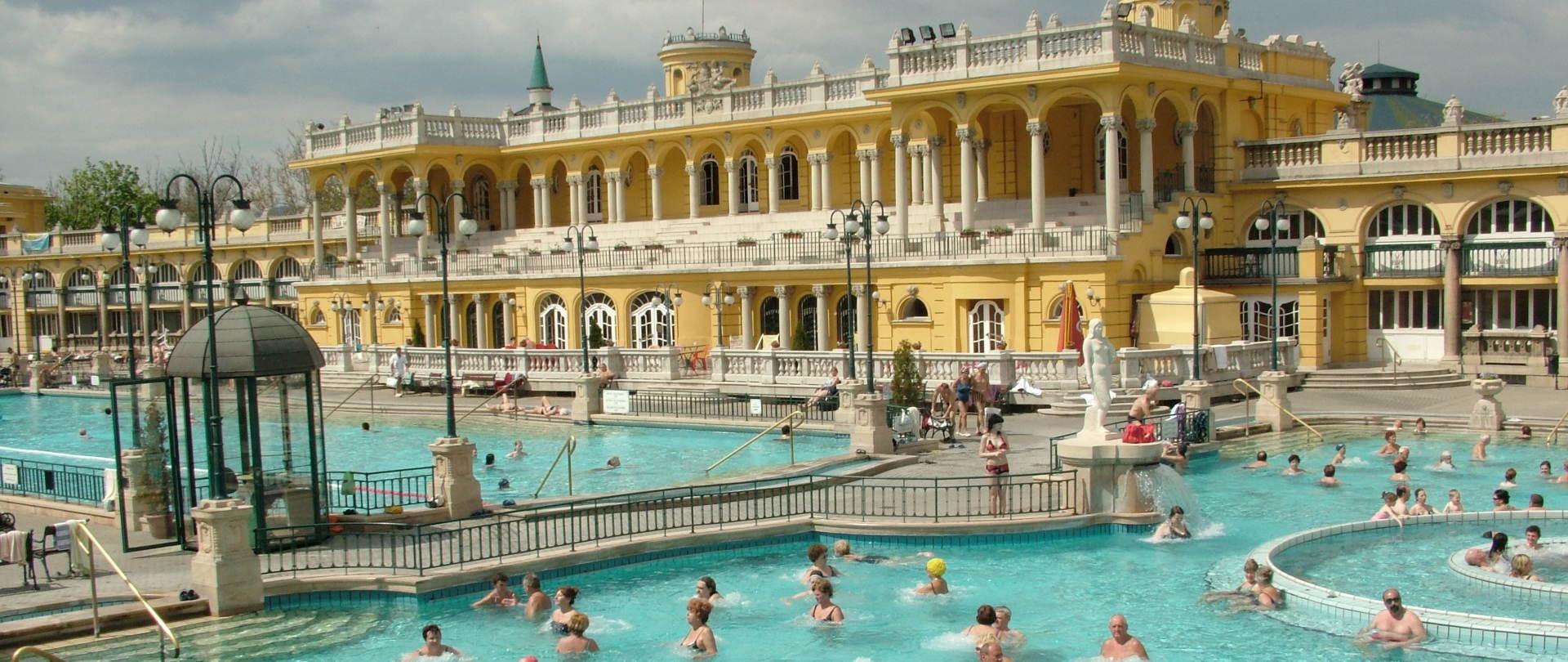 Gellért Thermal Bath - Budapest - City of Spas